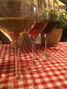 Rot- Rosé- und Weißwein auf dem Stuttgarter Weindorf